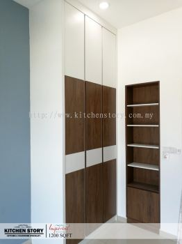 Bedroom 2 Wardrobe & Display Cabinet