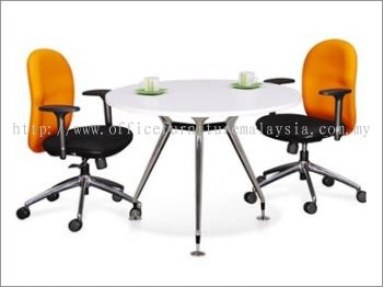 Round discussion table with abies chrome leg