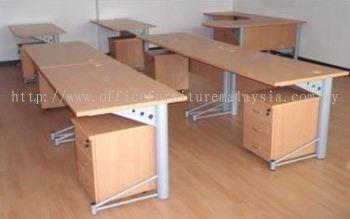 Rectangular Writing table with T2 metal leg