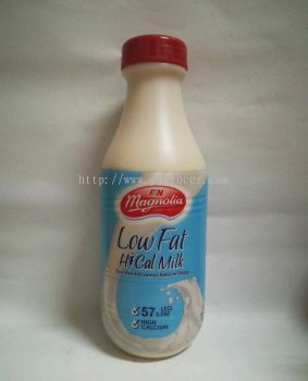 Magnolia UHT Low Fat High Calcium Milk 890ml