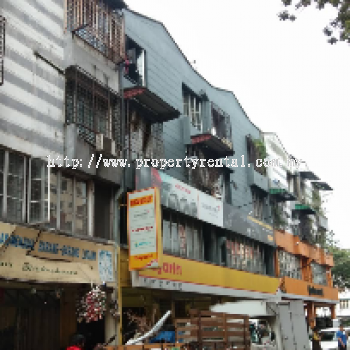 (R0452) Shoplot Apartment for Rent