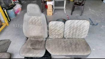 TOYOTA HIACE LH80 SEAT