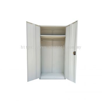 FULL HEIGHT SWING DOOR WITH 1 HANGER ROD & 1 SHELVING