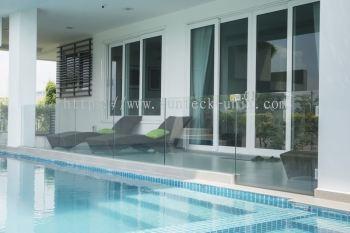 Swimming Pool Glass Railing