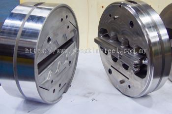 Extrusion Mould