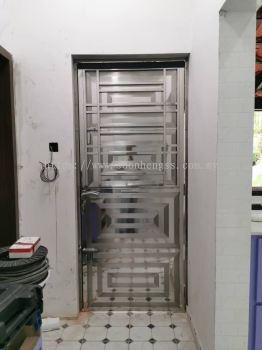 STAINLESS STEEL - SINGLE DOOR