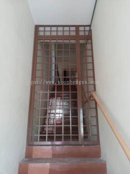METAL WORKS - SINGLE DOOR