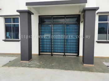 METAL WORKS - SLIDING DOOR