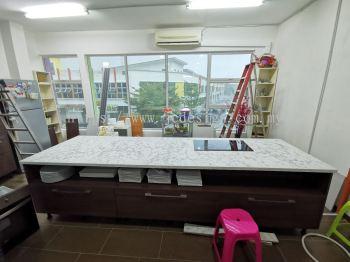 Island Cabinet at Bandar Saujana Puchong