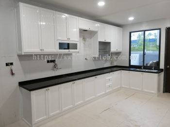 Glossy Pure White with Quartz Stone Table Top