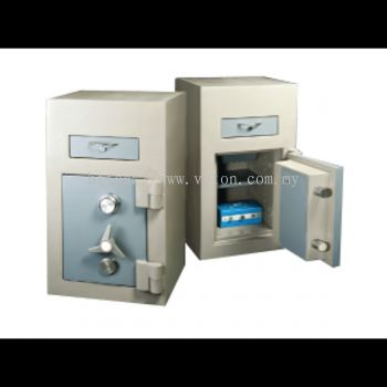 2240 TRAPMASTER NIGHT SAFE SECURED BY KEYLOCK AND COMBINATION LOCK