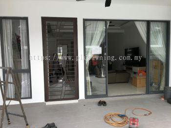 Grill Door @  Diamond City Residence (Semenyih)