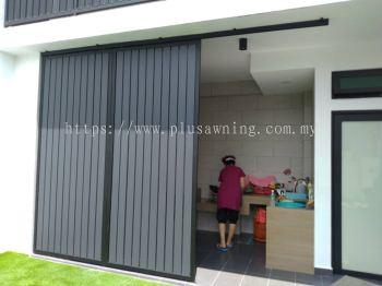 Sliding door @Jalan Anggerik, Seksyen 21, Shah Alam, Selangor