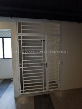 Grill Door @Savanna Executive Suites, Dengkil, Selangor