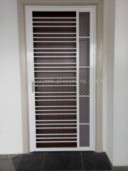 Grill Door @Jalam Elektron U16/52F, Denai Alam, Selangor