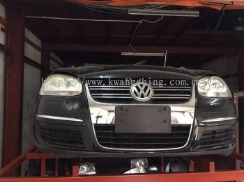 Volkswagen MK5 Half Cut