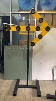 VSAFEMKT JKR SPEC Flashing Arrow Dia 82mm LED Solar Panel Build In Lithium Battery