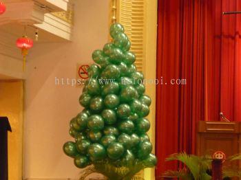 Christmas Tree Balloons Decor