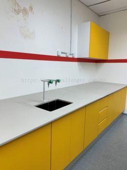 Laboratory Furniture - Yellow