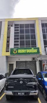 Rizky Durian Shah Alam - Lightbox