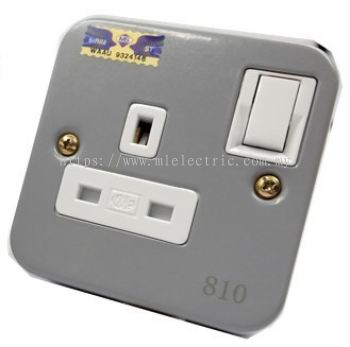 ME 810 1GANG METAL CLAD SWITCH SOCKET