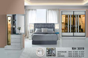 bed, cabinet ,mirror RH 3019