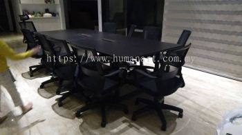 DELIVERY INSTALLATION MEETING TABLE (INCLUDED FLIPPER COVER) SQVB 30 & BATLEY LOW BACK MESH CHAIR OFFICE FURNITURE CENTRAL WALK I-CITY, SHAH ALAM