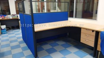 DELIVERY INSTALLATION L-SHAPE TABLE WITH HALF GLASS PARTITION OFFICE FURNITURE TAMAN TUN DR ISMAIL