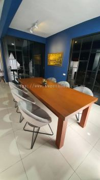Dinning Table With Designer Chairs