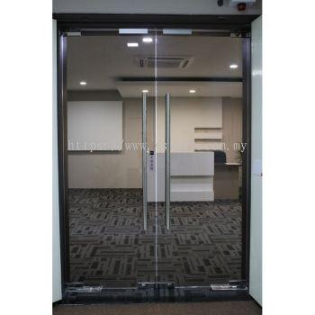 FRAMELESS 12MM TEMPERED GLASS DOOR(SAMPLE)