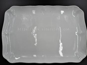 """HX18001 17.5"""" Wavy Rectangular Plate"""