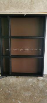 aluminium 1 x 4 hollow p/c Black + mirror and composite panel