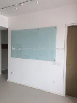 white board 6mm tempered @seputeh Garden, Jalan laman seputeh 4, Kuala Lumpur