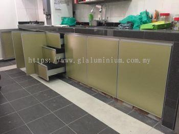 Cabinet swing door + composite panel ( gold) @taman sri cheras jaya, Balakong