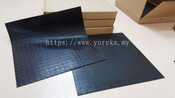 Studed Rubber Sheet 555mm x 555mm