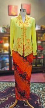 KBY019 Nyonya Kebaya (Floral Motif) - Size 38 / 40