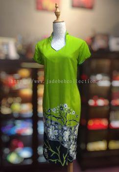 BTK(D)129 Batik Fitting Qipao with Sleeve - V Neckline