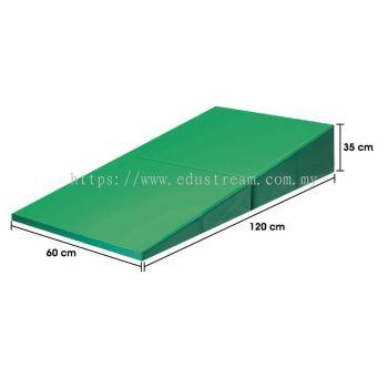 P142(E)Foldable Incline Gymnastic Mattress