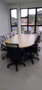 DELIVERY & INSTALLATION TOE 18 OVAL SHAPE MEETING TABLE & BATLEY LOW BACK MESH CHAIR OFFICE FURNITURE | IOI BOULEVARD | PUCHONG | SELANGOR