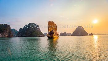 THE MIRACLE OF VIETNAM. HALONG BAY