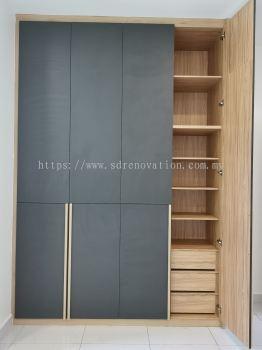 Bedroom Black Color Wardrobe Design- Interior Design Ideas-Renovation-Residential-Pekan Nanas Johor