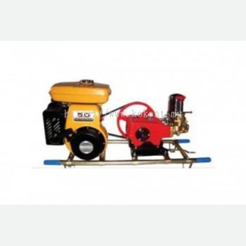 Plunger pump with petrol engine