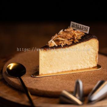Burnt Cheese Slice Cake